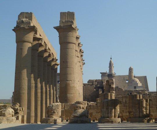 Luxor-Tempel: il colonnato del Tempio