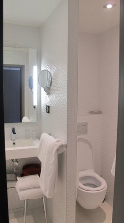 Hotel Rohan : bathroom