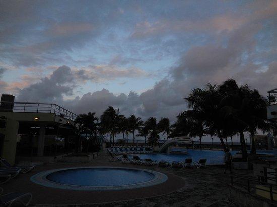 H10 Habana Panorama: piscine