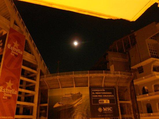 Hostal Residencia Penalty: vista del Mestalla dalla 125