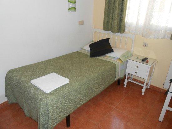 Hostal Los Alpes: Single bedroom
