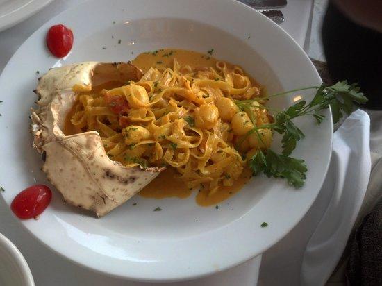 Sunset Catch Restaurant: Fettucini & Crab