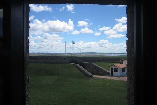 Fortaleza de Santa Teresa: Desde uno de los salones
