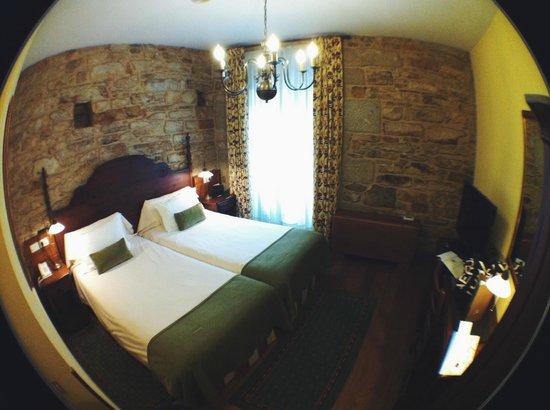 Interior do quarto do hotel Virxe da Cerca.
