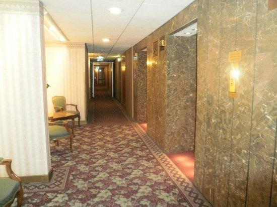 Hilton Budapest: elevadores