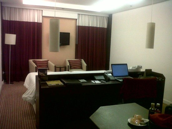 Eastin Hotel Makkasan: room interior