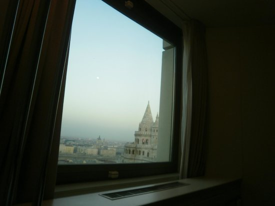 Hilton Budapest: vista quarto 277
