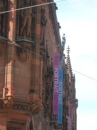 Scottish National Portrait Gallery: External view showing new History sculpture