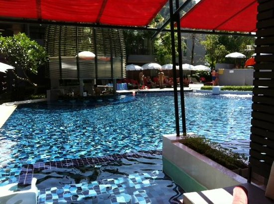Red Ginger Chic Resort: Our Pool Access Room with view of swim up bar