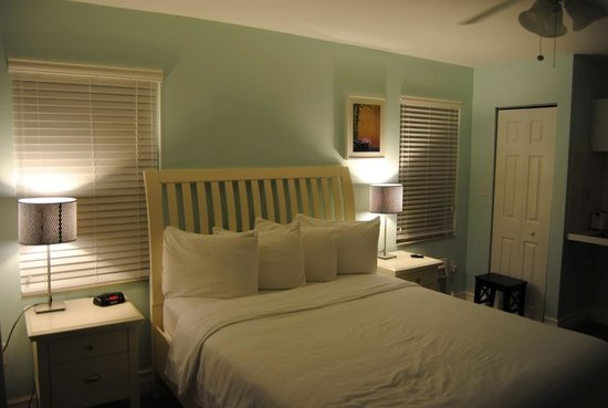 Hollywood Beachside Boutique Suites : Stanza