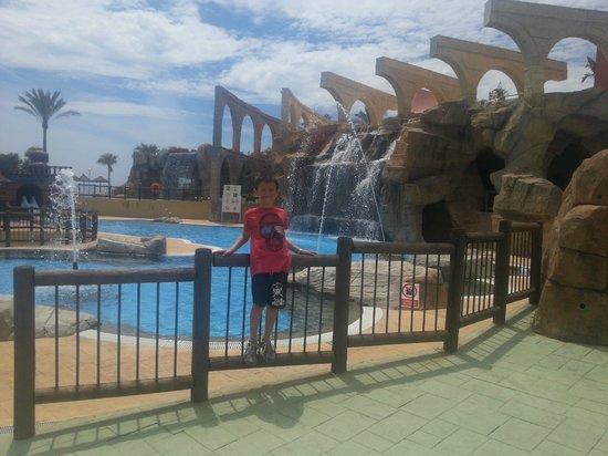 Holiday Village : lower pool