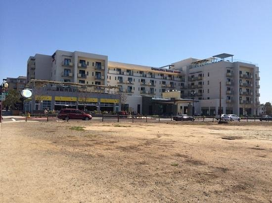 SpringHill Suites San Diego Oceanside/Downtown: Just a 2 minute stroll to the Pacific Ocean