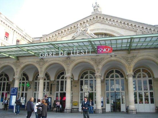 Timhotel Paris Gare de l'Est: the train station