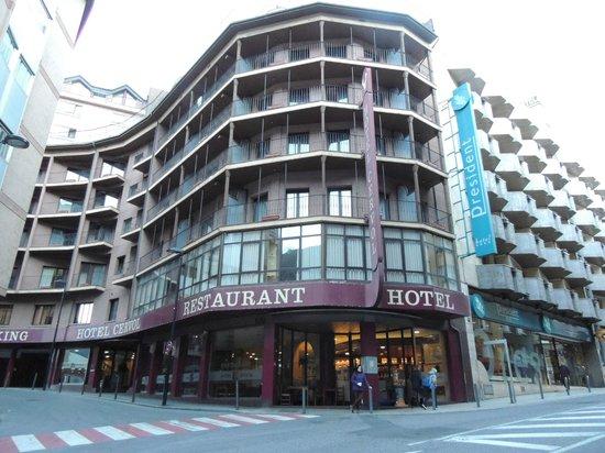 Cervol Hotel : Vista del Hotel desde el exterior