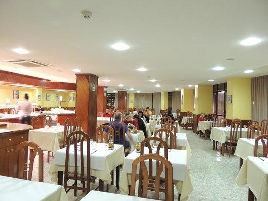 Hotel Cérvol : Amplio comedor