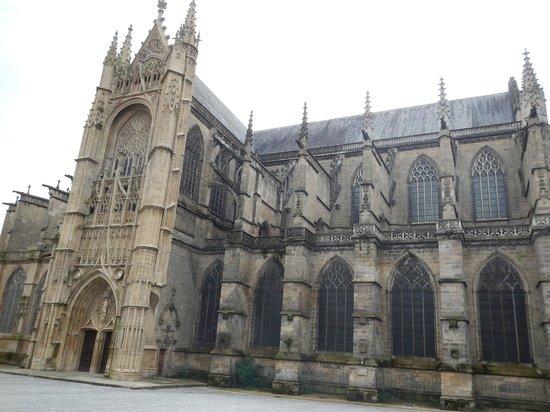 Cathédrale Saint-Étienne : Outside View