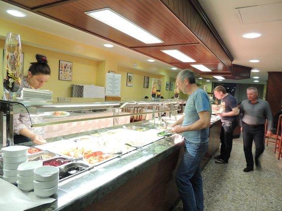 Hotel Cérvol : Poca variedad en el buffet