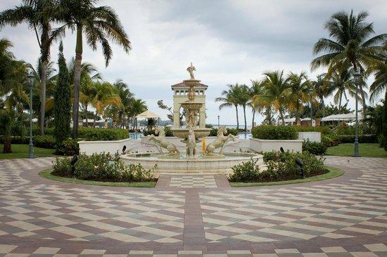 Sandals Whitehouse: Main fountain