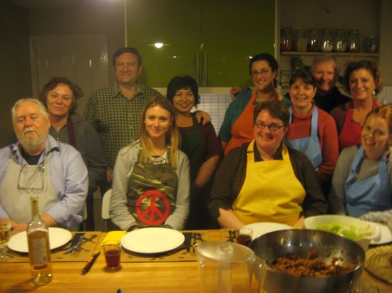 Istanbul Cooking School : Chef Wantabees...Fun Time!