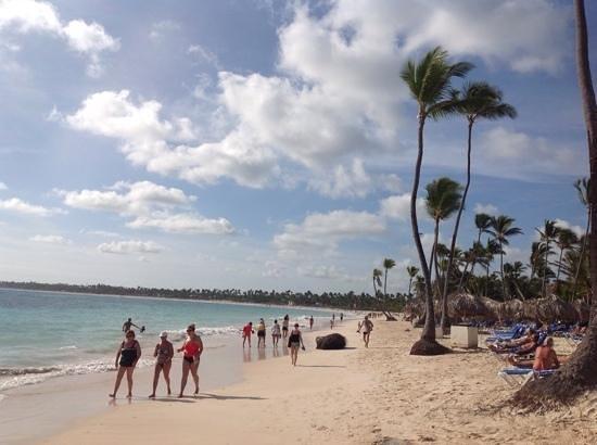 VIK Hotel Arena Blanca : De longues promenades sur la plage
