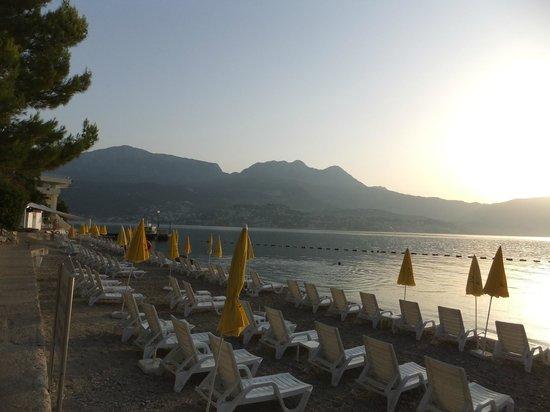 Hotel Rivijera Njivice: пляж