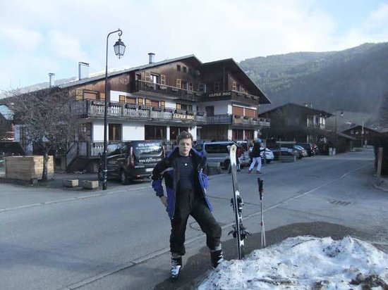 Hotel Alpen Roc: There was snow on the slopes