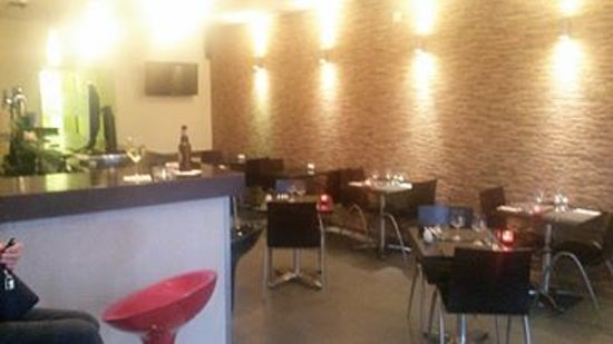 Waves Cafe and Bistro Bar: New Look Bistro