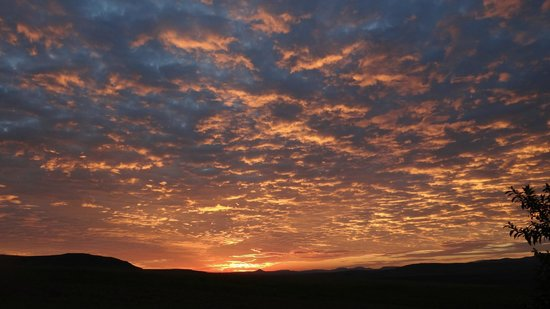 Montusi Mountain Lodge: Some excellent sunrises.