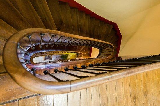 Hôtel de l'Europe Grenoble Hyper Centre : Notre escalier