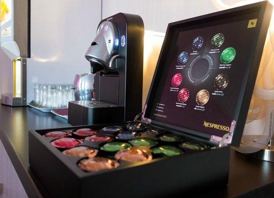 Hôtel de l'Europe Grenoble Hyper Centre : Nespresso au Petit-déjeuner
