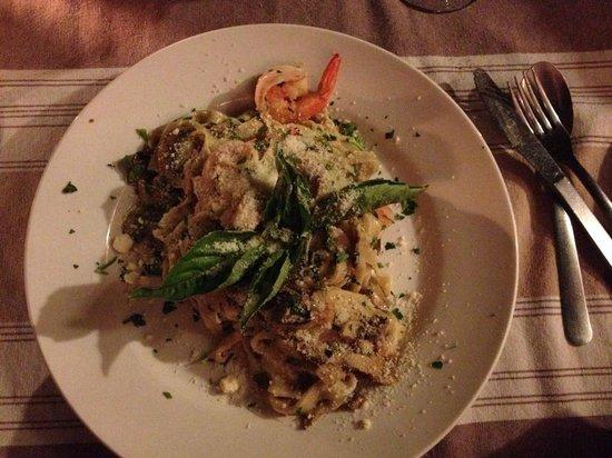 Boccon di Vino: Homemade fettucini with shrimp and mushrooms in a white wine cream sauce