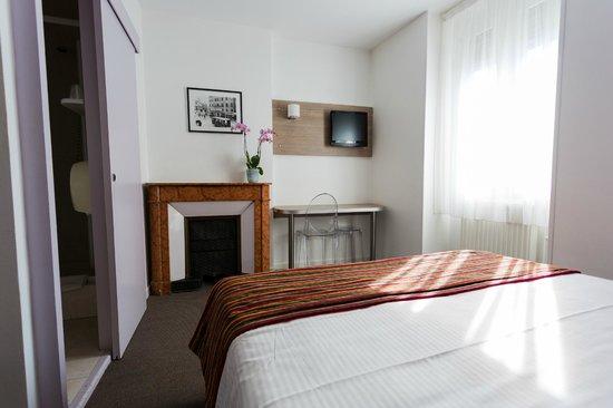 Hôtel de l'Europe Grenoble Hyper Centre : Chambre standard