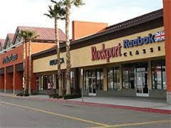 Outlets at Barstow : Tanger Outlet Center