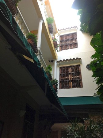 Casa La Fe - a Kali Hotel : from the courtyard looking up