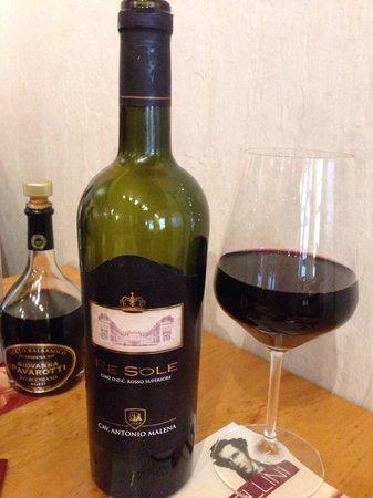 Pizzeria Bellini: Toller Ciro Wein aus Calabrien.