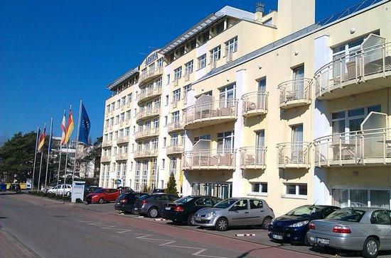 Arkona Strandhotel: Arkonahotel von der Straßenseite !