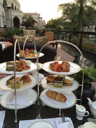 Sultan's Lounge: Afternoon tea was amazing