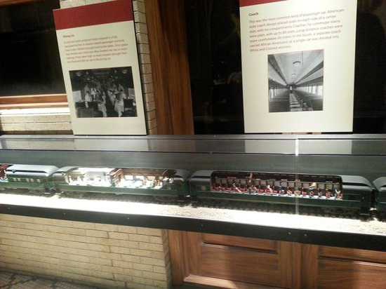 National Museum of American History: This was a neat model train.