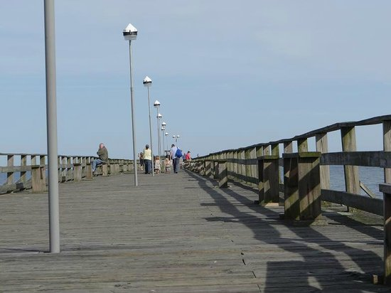 Kure Beach Diner: stroll on the pier across from the diner