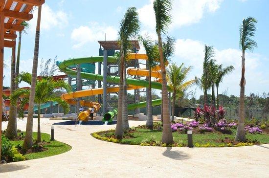 Royalton White Sands Resort : Parc aquatique