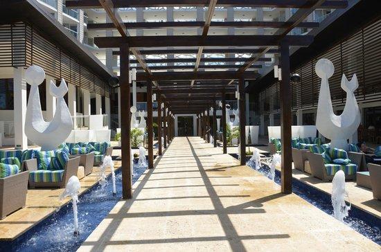 Royalton White Sands Resort : Hotel