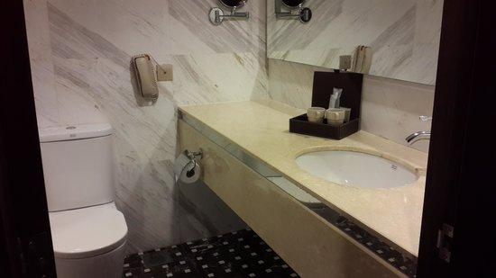 Silka Maytower Kuala Lumpur : the bathroom