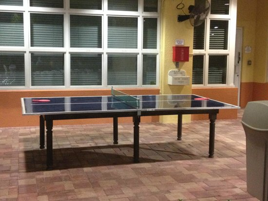 Vacation Village at Weston: Ping Pong Table