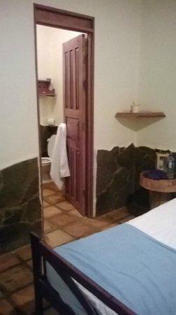 Hotel Mamiri : angolo e bagno