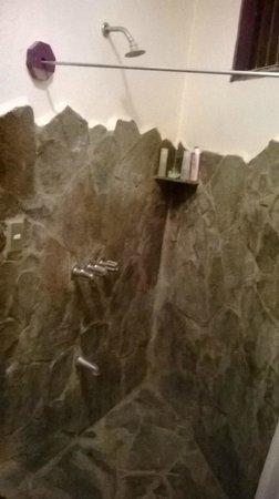 Hotel Mamiri : doccia