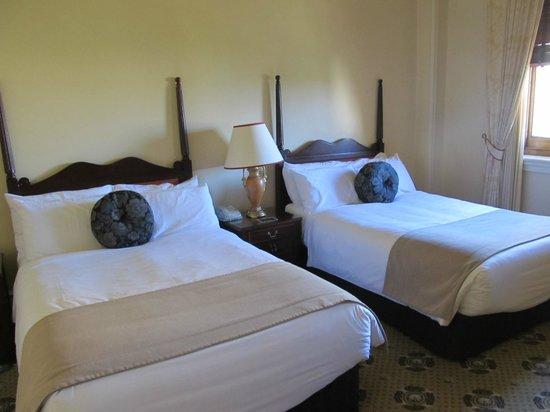 Treasury Hotel & Casino: 広々として素晴らしいお部屋