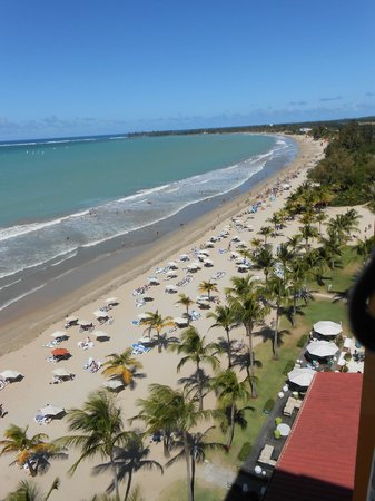Courtyard Isla Verde Beach Resort: View to the east from balcony