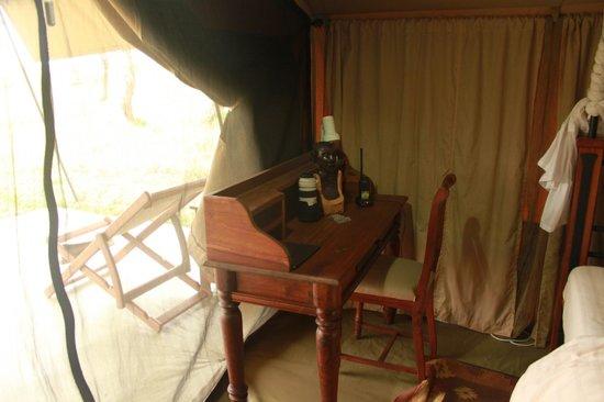 Sametu Camp: Escrivaninha