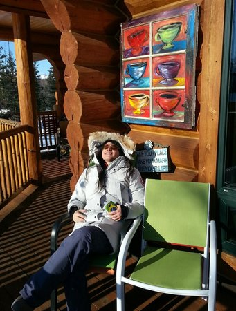 Matanuska Lodge: Sun bathing