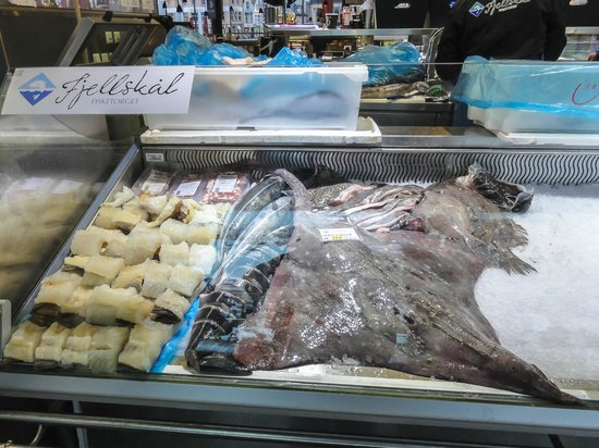 Fish Market : Inside market in the winter